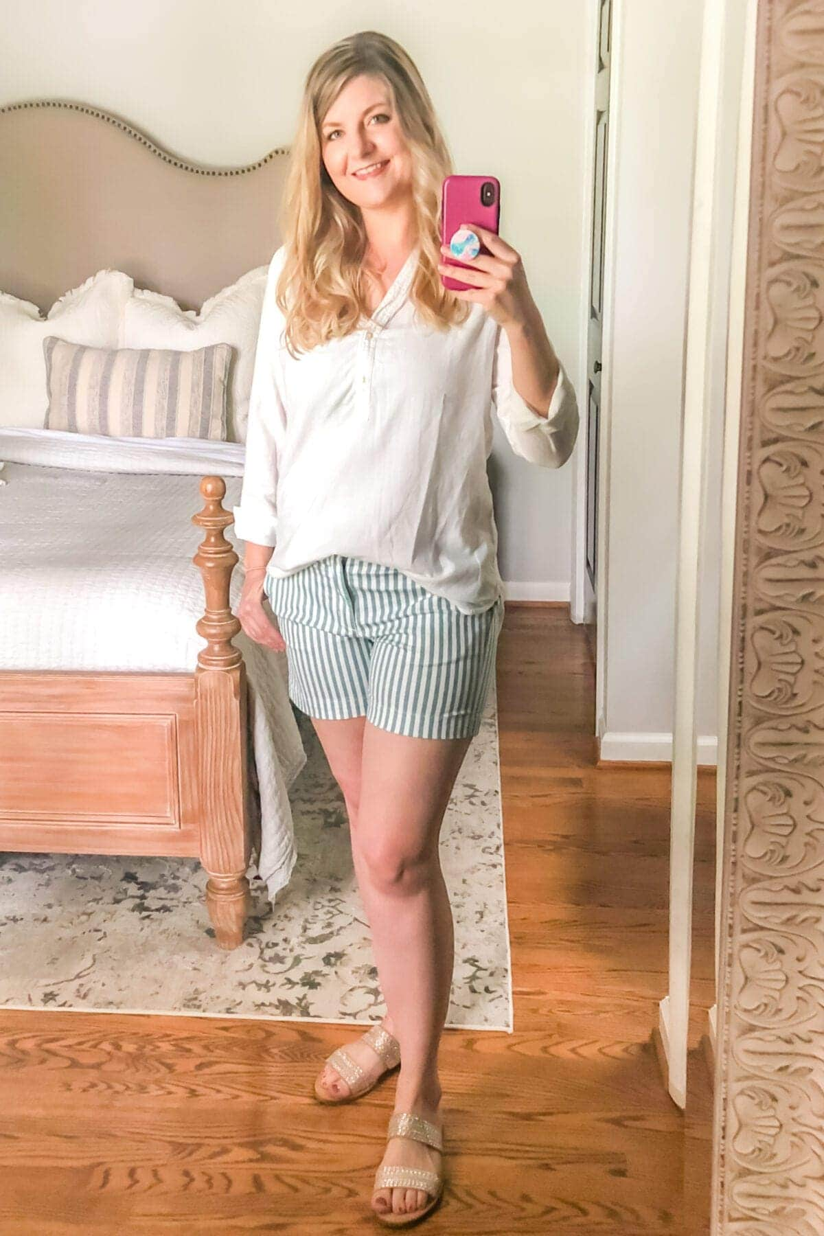 How to Hide Mom Belly Pooch | Front Tuck Shirts