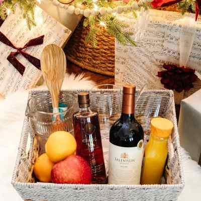 8 Creative Gift Basket Ideas