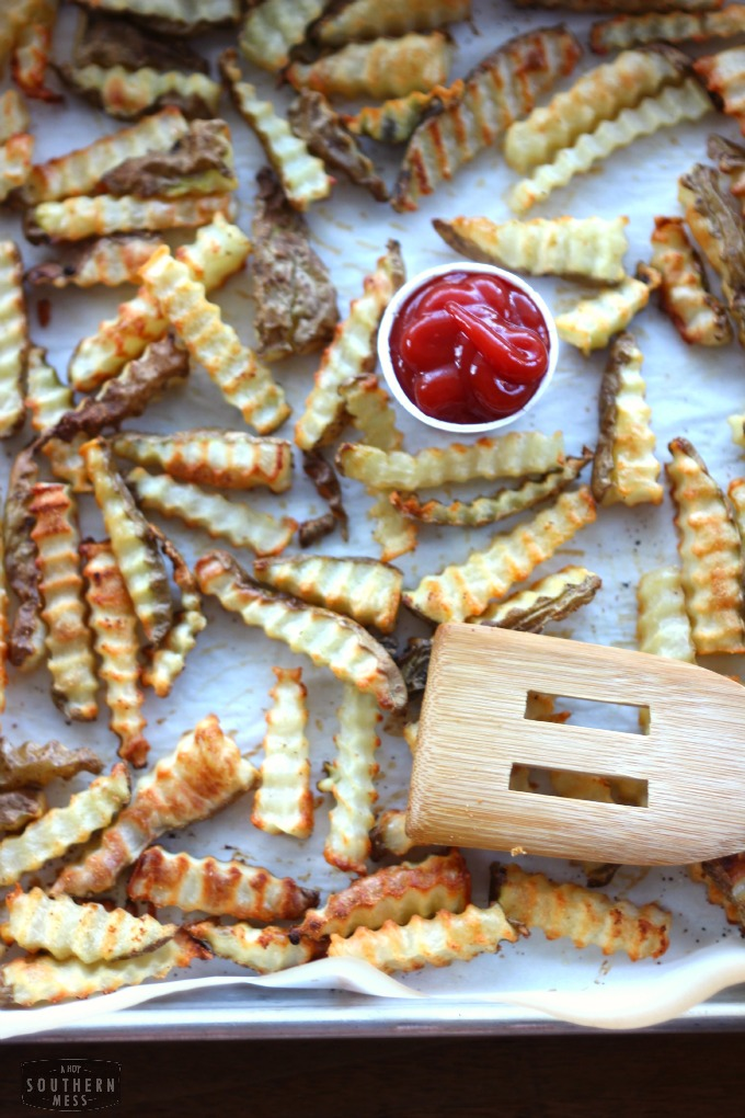 So easy and inexpensive to make! Cheap Recipes: Baked Garlic French Fries