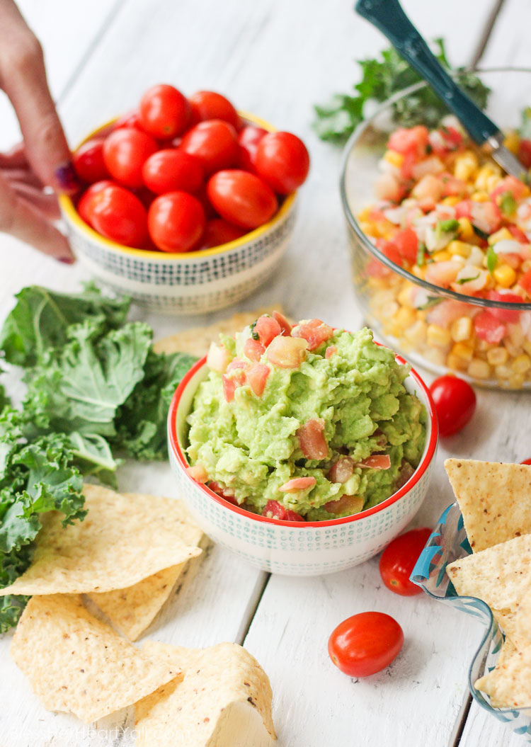 holy guacamole! The best and easiest guacamole recipe! My husband taught me this recipe and now I love guac! You gotta try this!