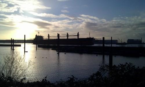 Die Greta auf der Elbe.