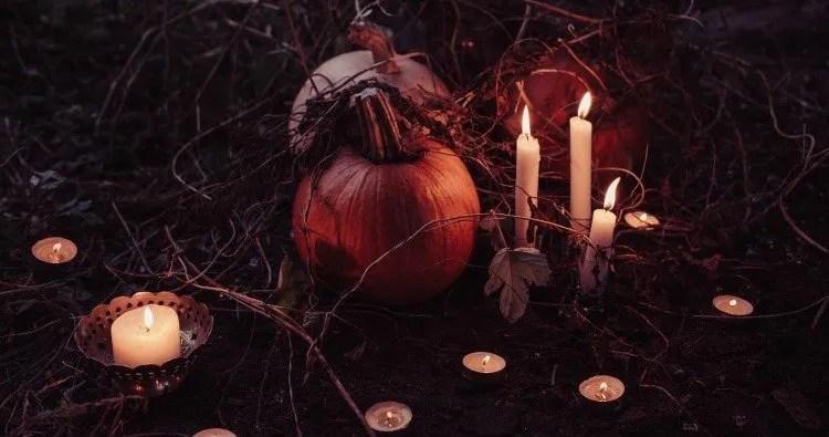 Samhain Correspondences: The End of the Harvest