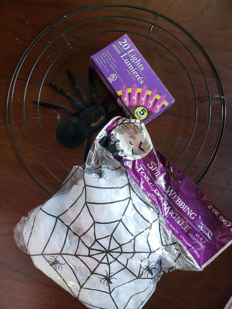 Light Up Spider Web Wreath Materials