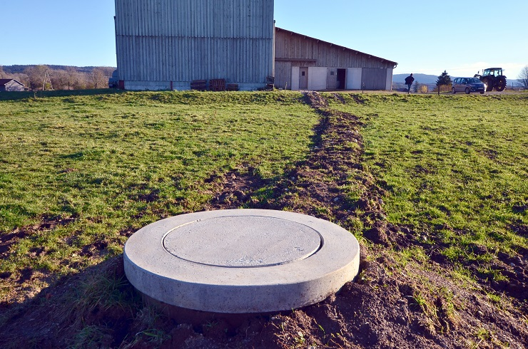 forage réalisé pour un agriculteur dans le Jura, en Franche-Comté, avec l'aimable intervention de l'expert sourcier Philippe Wojtowicz