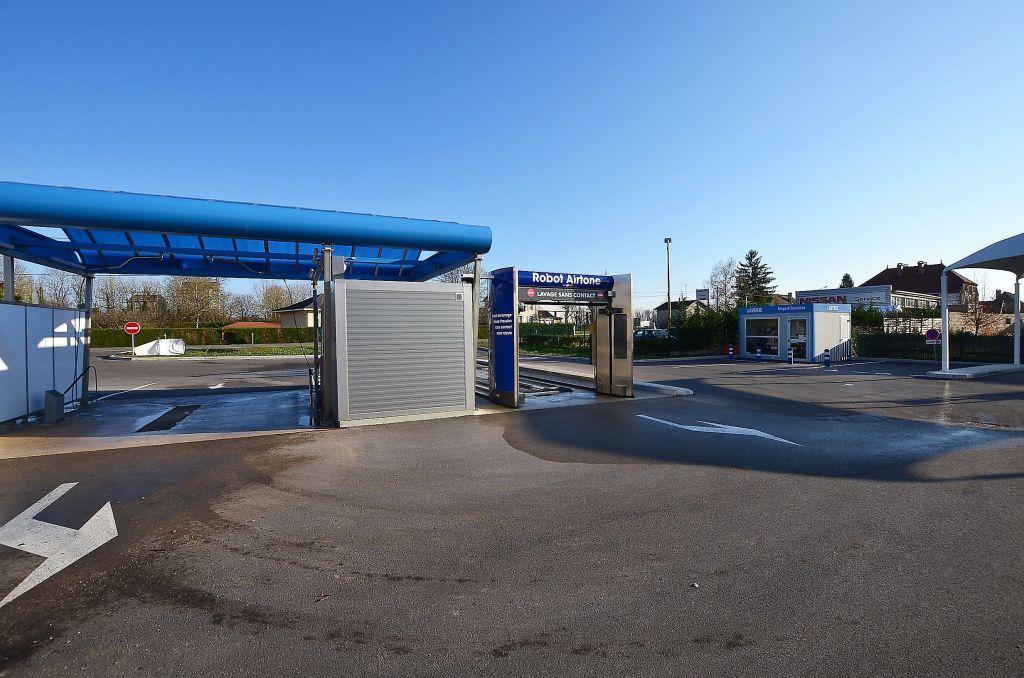 forage réalisé pour une station de lavage situé dans le Doubs, dans le département Franche-Comté avec l'aimable participation de l'expert sourcier Philippe Wojtowicz