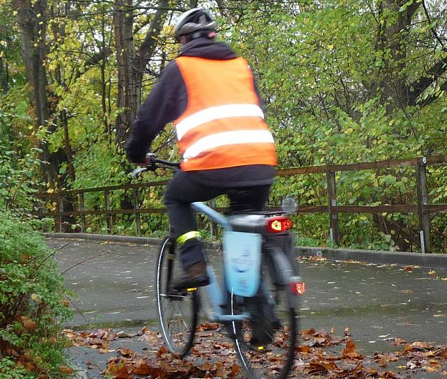 So kommen Fahrradfahrer sicher durch den Herbst