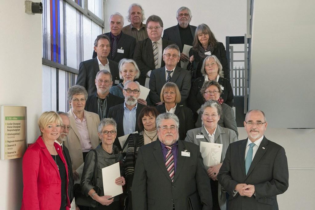 Bezirksregierung feiert 41 Schulleiter