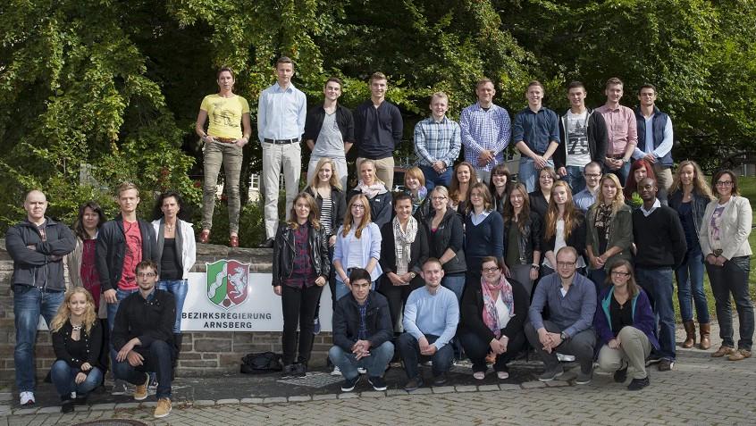 33 junge Anwärter starten Karriere bei der Bezirksregierung