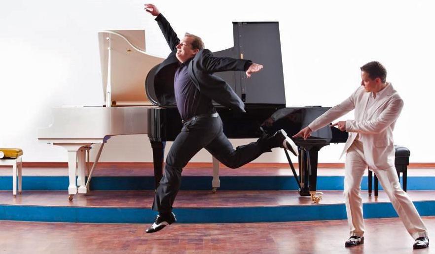 david & Götz, die Showpianisten, kommen am 14. januar 2017 ins SauerlandTheater. (Foto: Veranstalter)