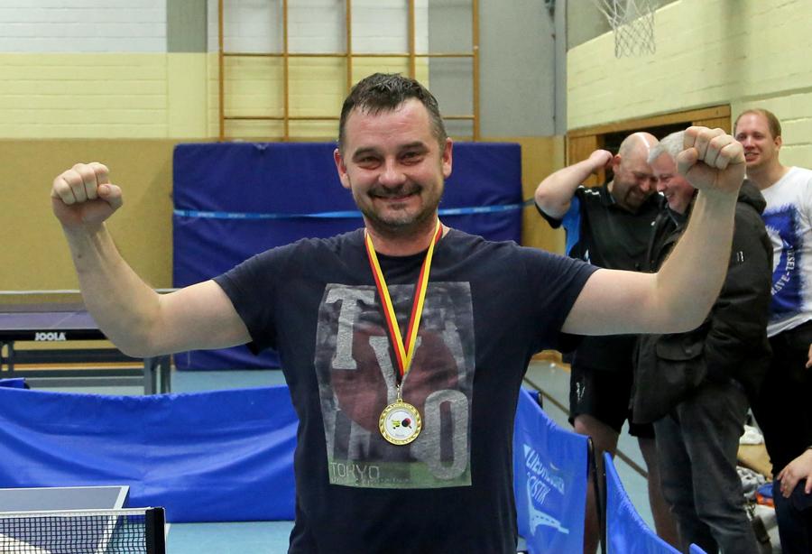 Tadeusz Dybiec neuer TT-Vereinsmeister beim TuS