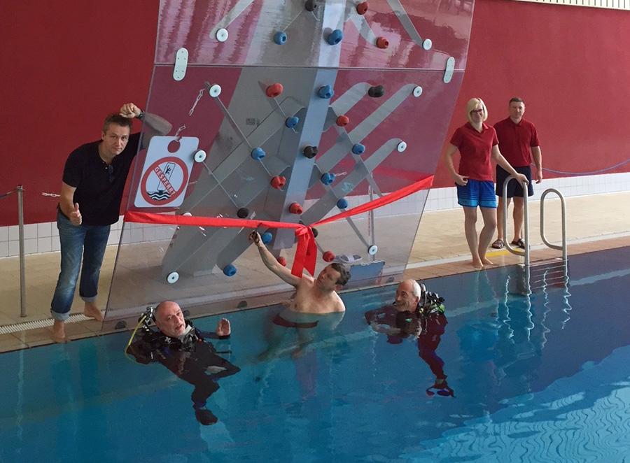 Waterclimbing-Anlage im Hallenbad offiziell eingeweiht
