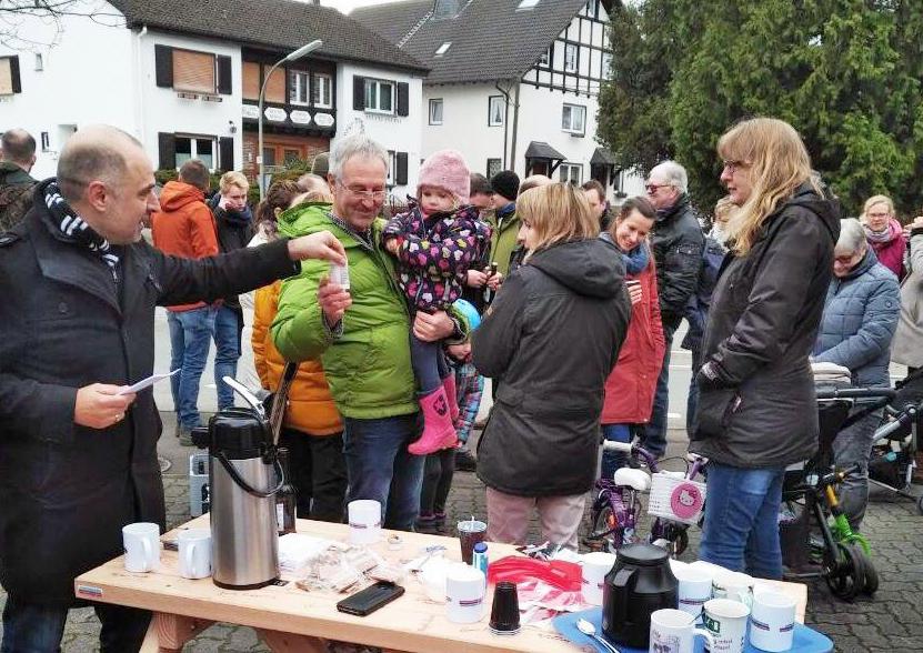 Kandidaten-Banktour in Breitenbruch fast mit Volksfestcharakter