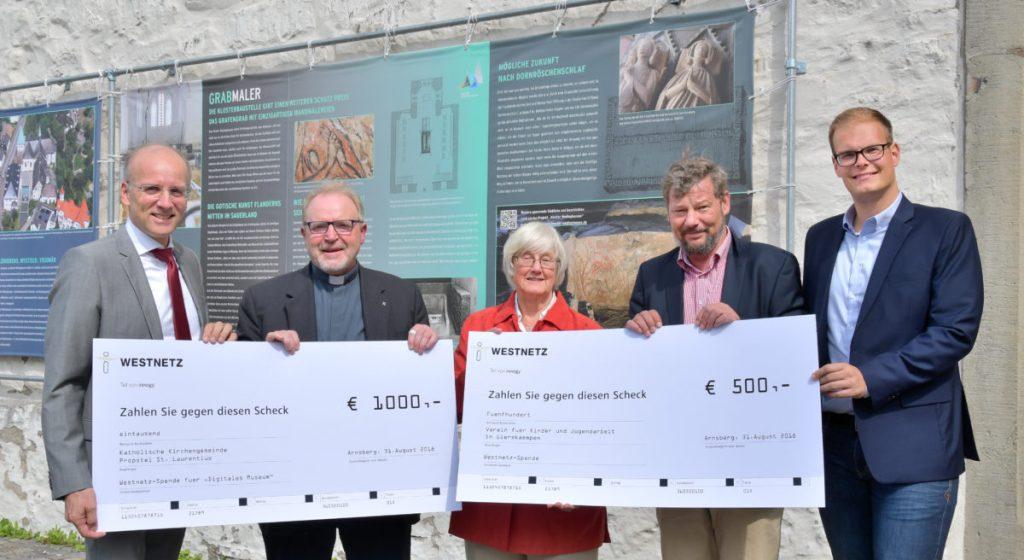 """Westnetz unterstützt """"Digitales Museum"""" im Kloster Wedinghausen und Kinder- und Jugendarbeit in Gierskämpen"""