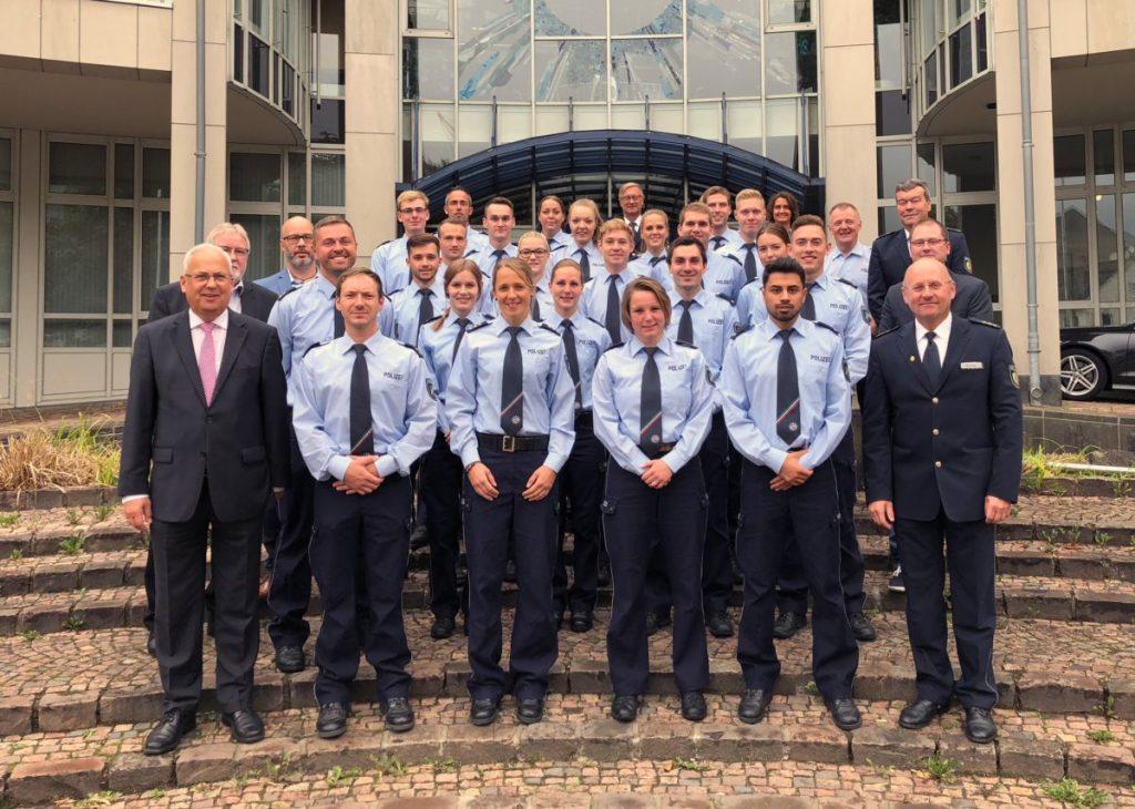 Verstärkung: 24 neue Polizistinnen und Polizisten beginnen Dienst im HSK