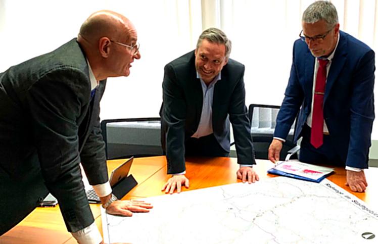 Telekom-Geschäftsführer bringt Mobilfunk-Masterplan für Sundern mit