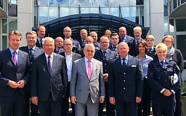Innenminister Reul besucht HSK-Polizei