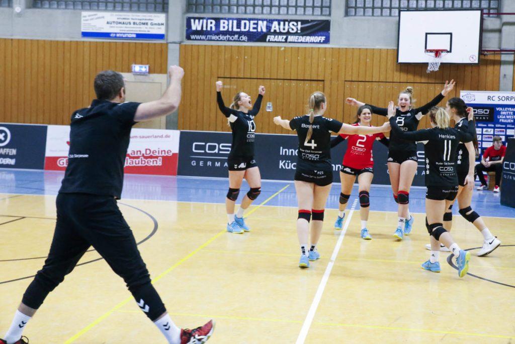 Volleyballkrimi im Schulzentrum – RC Sorpesee erkämpft 3:0 Heimerfolg