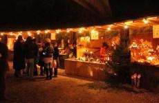 Groß, aber mitten in der Natur und urgemütlich ist der Waldweihnachtsmarkt im Wildwald Voßwinkel. (Foto: Wildwald)