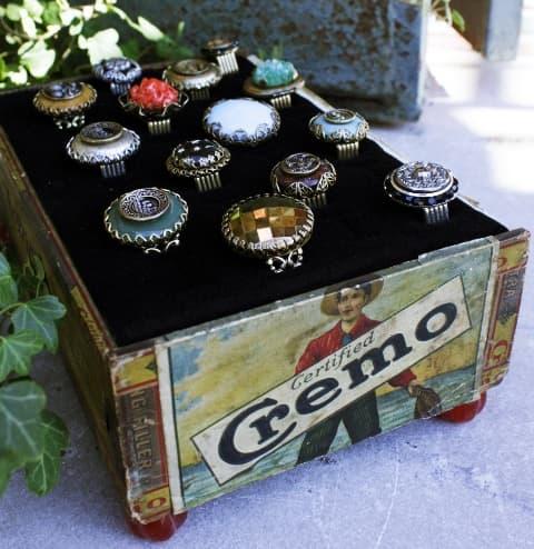Cigar box for vintage rings