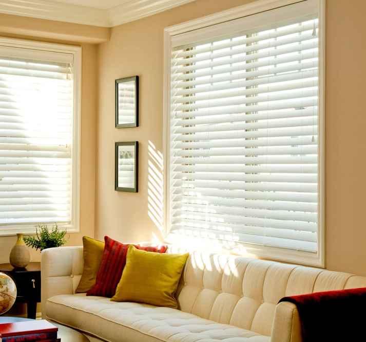 8256-White-Living-room