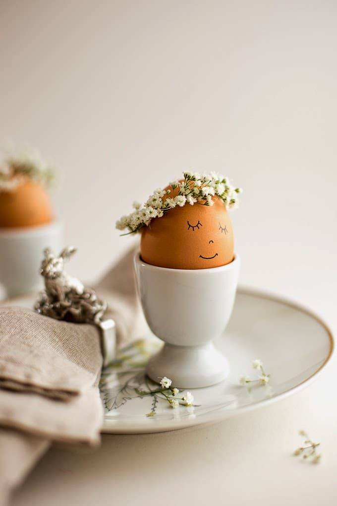 floral crowned eggs