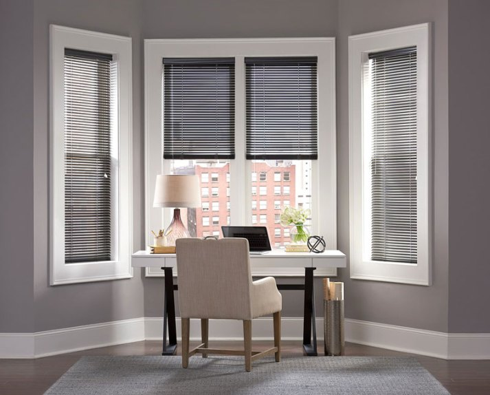 The ultimate guide to blinds for bay windows the for Hamptons style window treatments