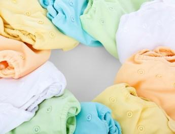 Pieluszki wielorazowe – idzie zwariować, czyli jak pieluszkować? Rozmowa z ekspertem.