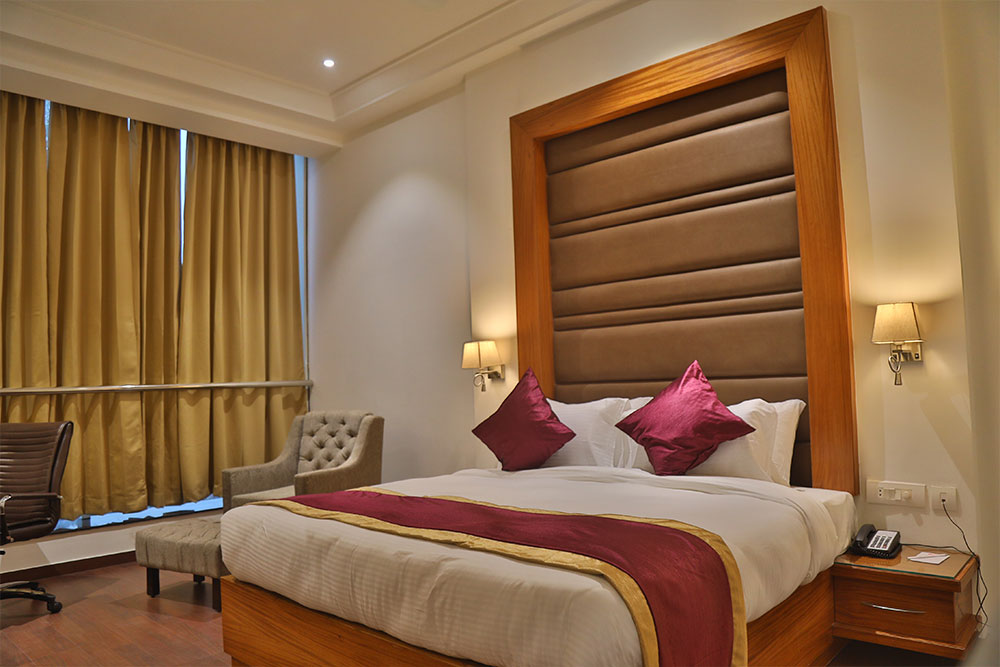Executive-room1 - THE BLISS CORBETT