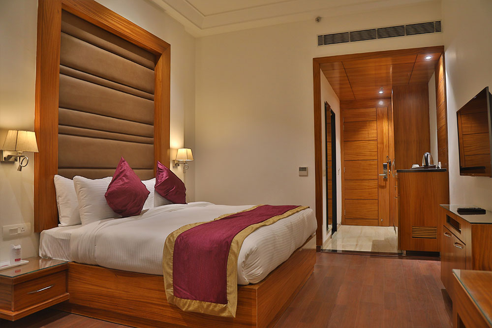 Executive-room2 - THE BLISS CORBETT