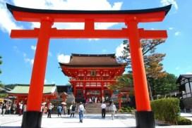為什麼日本的神社前都有一座「鳥居」?