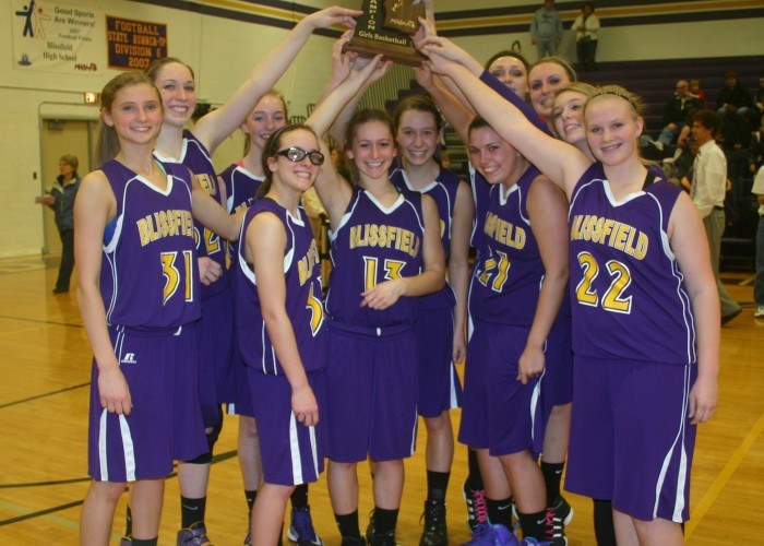 Royal women win district basketball championship