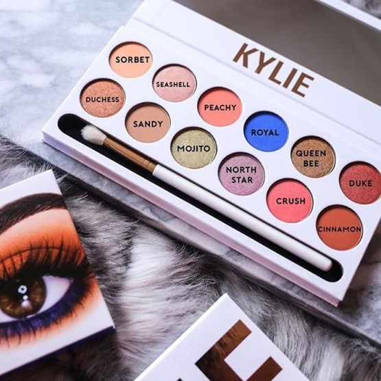 Kylie The Royal Peach Palette & Head Over Heels Lip Kit Bundle