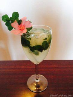 Virgin Mojito a very refreshing drink during summer, Mint & Lemon Mojito
