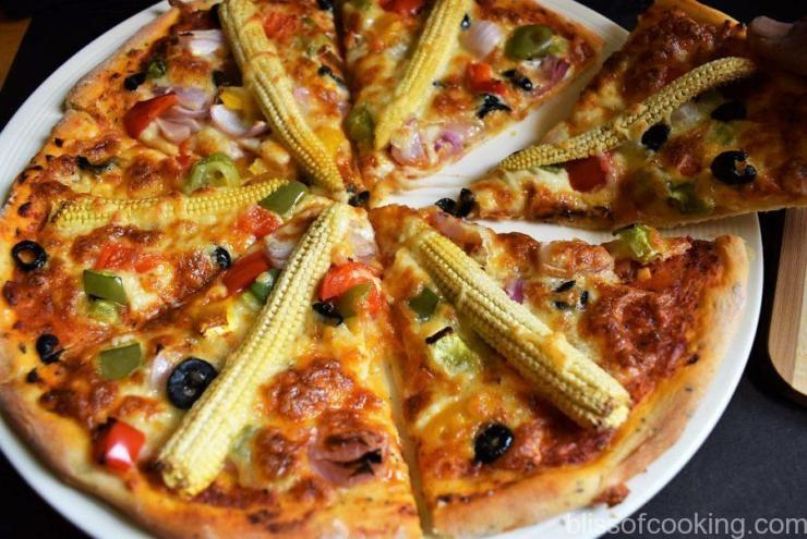 Baby Corn and Pepper Pizza