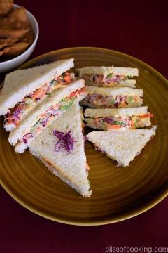 Quick Vegetable and Mayonnaise Sandwich