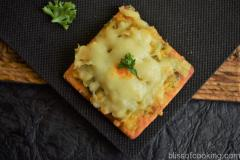 Baked Sweet Corn Crackers