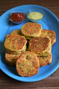Bread Ka Chilla (Bread And Gram Flour Pan Cake