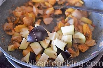Chilli Basil Vegetables (Gravy)