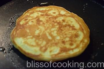 Eggless Chocolate Chip Pancakes