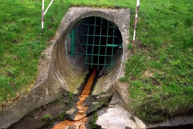זיהום מאגר מים