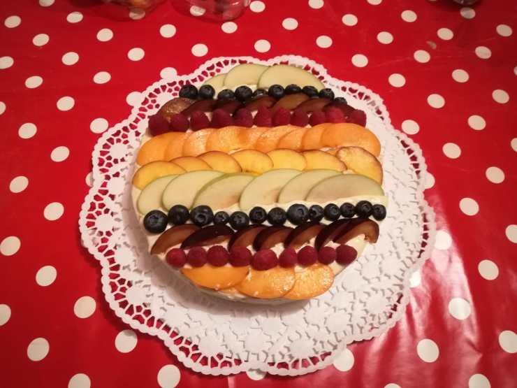 Frutta sulla torta