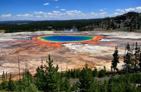 grand-prismatic-spring-yellowstone-national-park_1