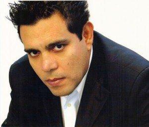 Raul Julia Levy