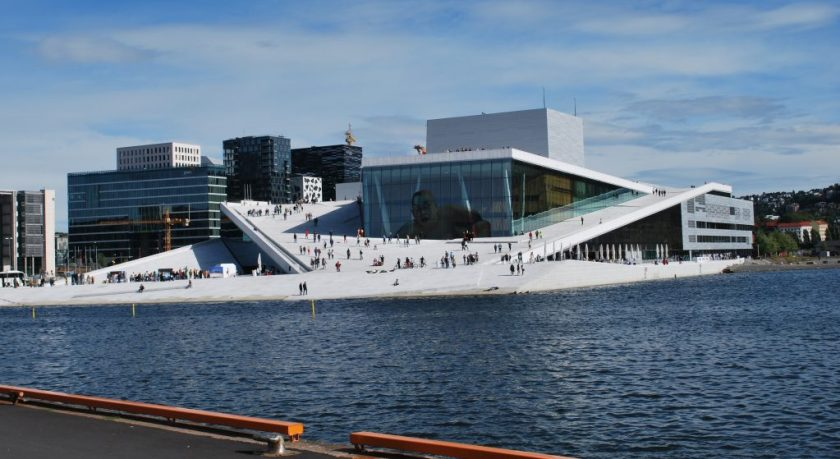 Oslo_Opera_House_seen_from_Langkaia
