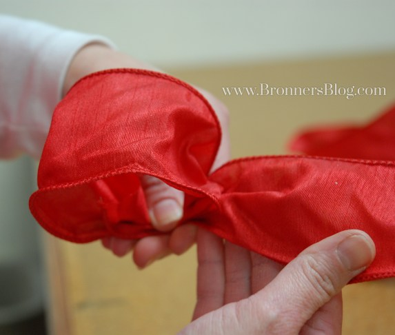 To Make A Bow, Create Center Loop