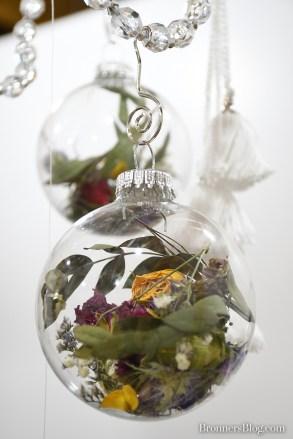 dried flower ornament detail