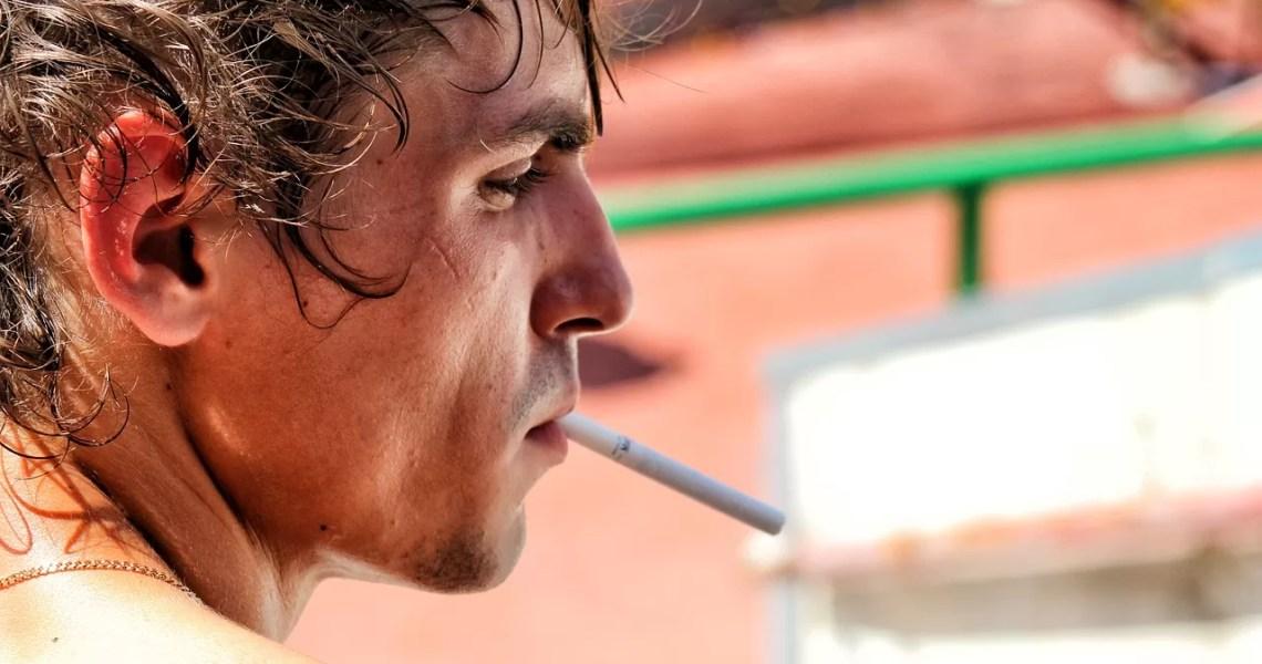 Réduire votre consommation d'alcool peut vous aider à arrêter de fumer