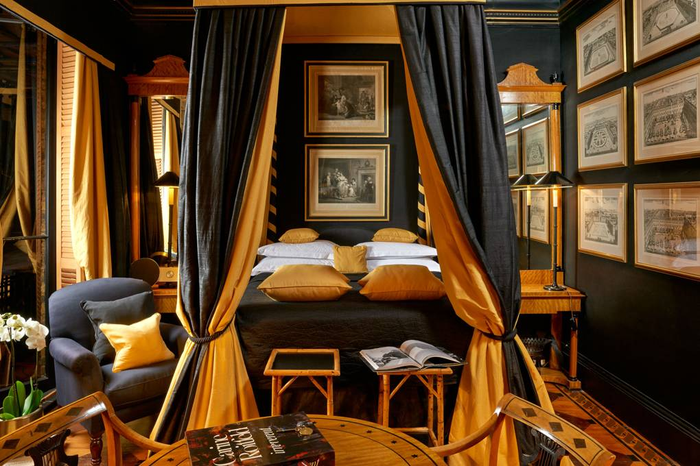 Romantic Four Poster at Blakes Hotel London