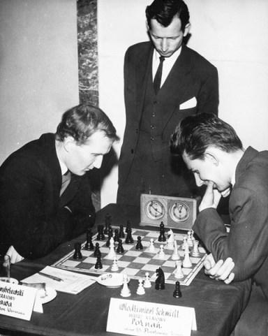 Poznan 1962 MP Grabczewski Rom. - Schmidt Wl, stoi Zbigniew Cylwik