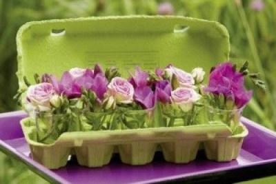 8-decoration-table-paques-boite-oeufs-radis-rose